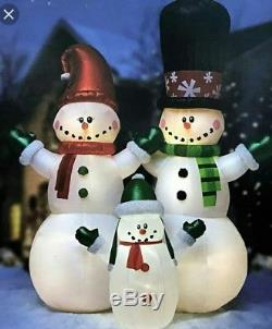 Christmas 2018 12 ft. Inflatable HUGEFrosty Snowman Family LED Lights NEW